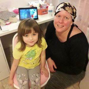 Smích léčí audětí to platí dvojnásob, říká paní Eva, které lékaři diagnostikovali rakovinu prsu