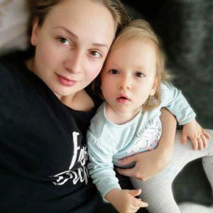 Epileptický záchvat udvouletého dítěte? Vtakové situaci člověk nesmí panikařit – příběh Isabelky