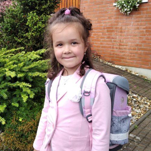 Anička-první školní den