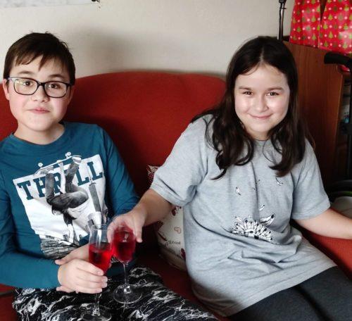 Adámek se sestrou